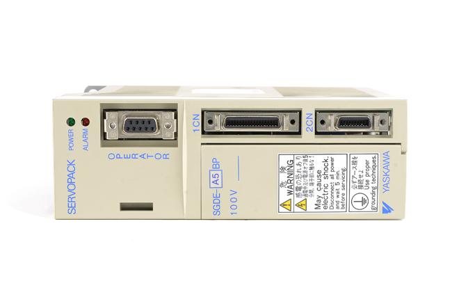 安川電機 ACサーボパック SGDE-A5BP (02年10月製)