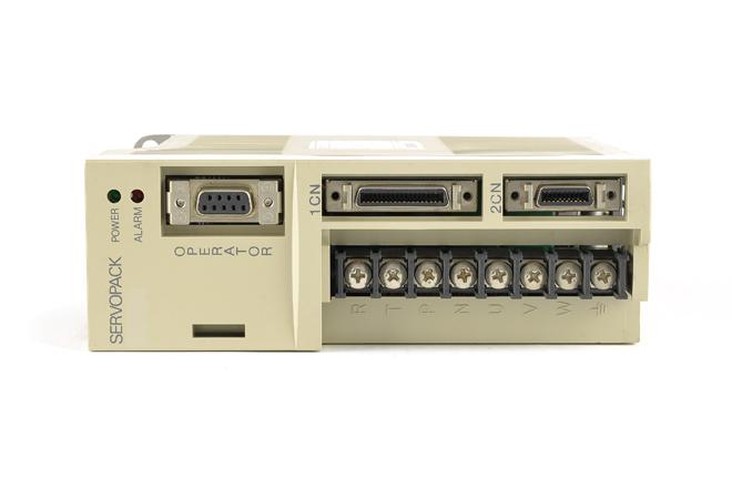 安川電機 ACサーボパック SGDA-01AP (ソフトVer004・割れあり)