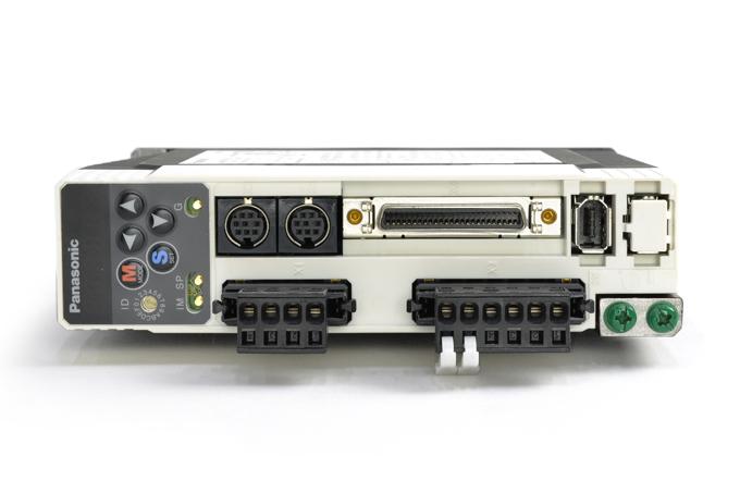 パナソニック サーボアンプ MADDT1205 (08年8月製)